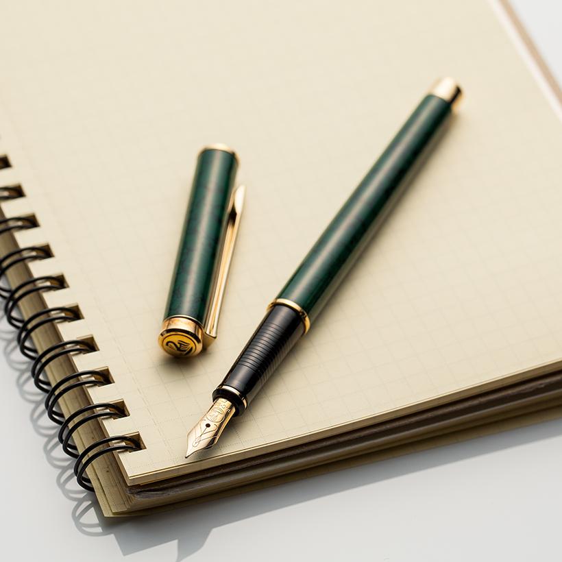 世界でも流通数の少ない貴重な万年筆