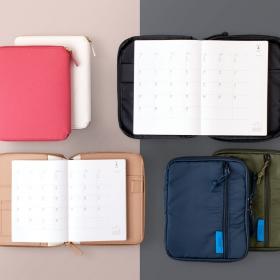 形式もサイズも豊富な手帳リフィル。お気に入りのカバーにあわせて使ってみませんか?