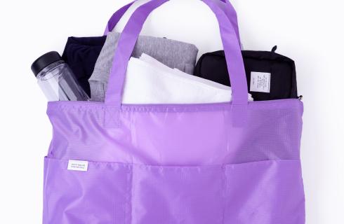 軽量のパッカブルバッグ