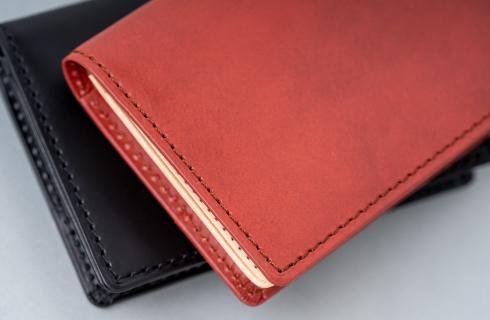 濃淡が上品な印象のHERGOPOCH(エルゴポック)オリジナル革素材