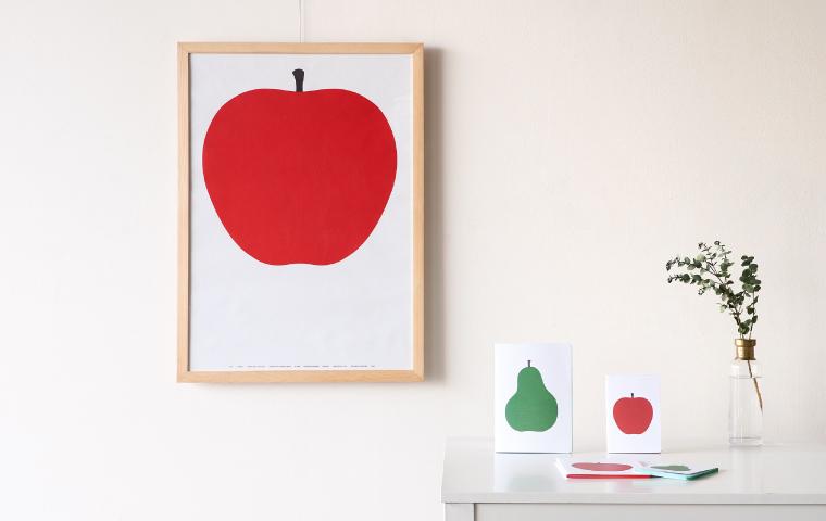 「DANESE(ダネーゼ)」のノートとポスター